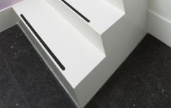 Trap met antislipstrippen (Medium)